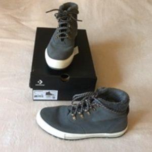 CONVERSE hightop boot gray size 9